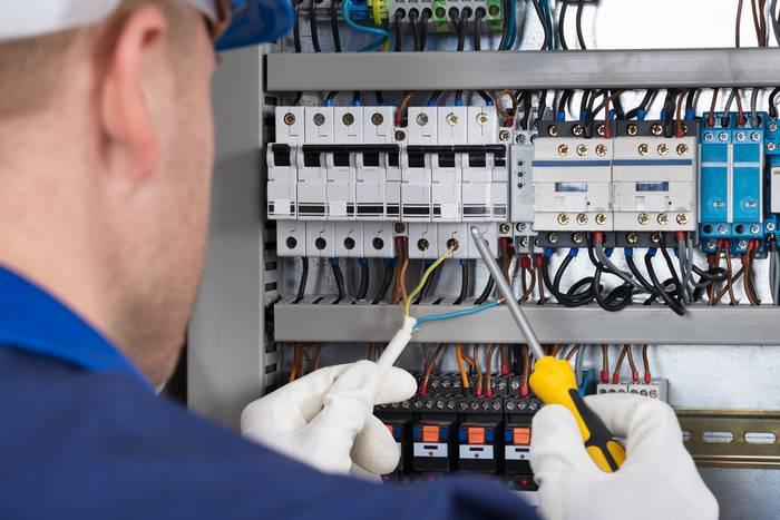 Zulaibarrek 10 elektrikarirentzako lan-deialdia zabaldu dau